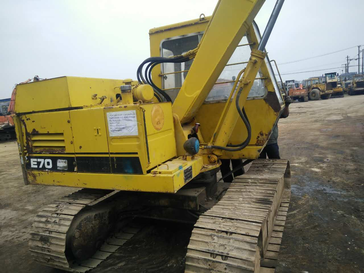 USED CATERPILLAR E70B MIDI EXCAVATOR GOOD CONDITION FOR HOT SALE