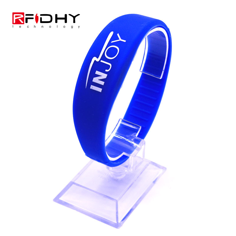 Low Cost 13.56MHz Waterproof RFID Silicone Wristband