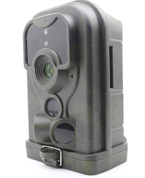 Waterproof hunting camera