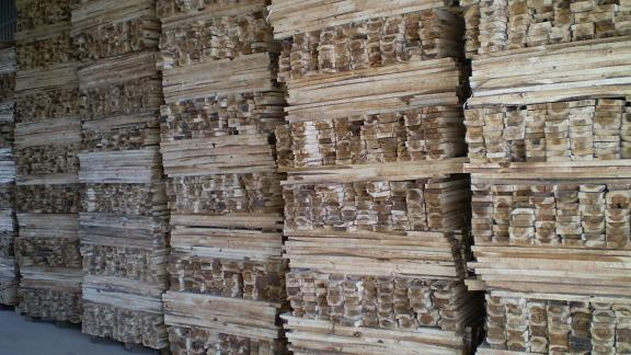MADE IN VIETNAM CHEAP SAWN TIMBER FOR PALLET