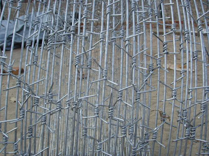 customized barbed wire manufacturer