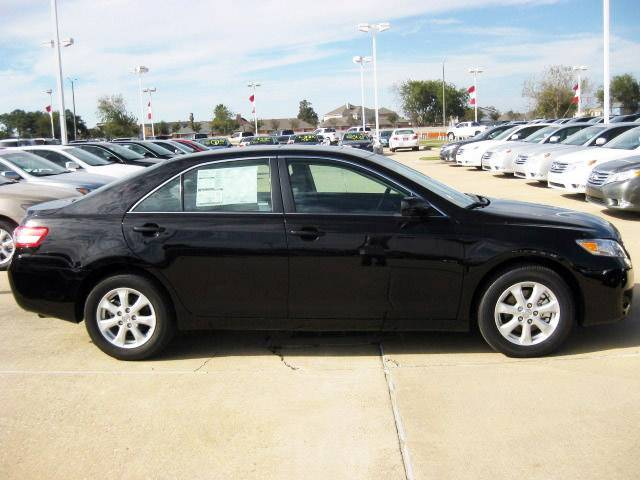 2012 Toyota Camry LE Special for Vietnam!