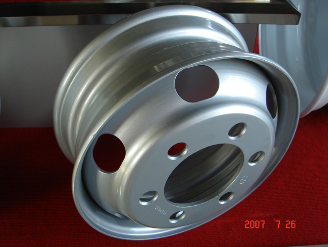 high quality truck wheel,bus wheels ,steel wheels , pickup wheels , agricultural vehicles wheels