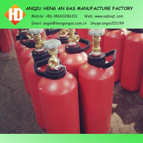 oxyegn / acetylene gas cylinders