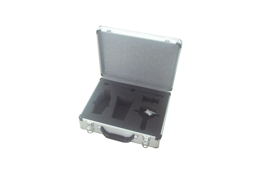 Carrying Aluminum Case with Die-Cut Foam