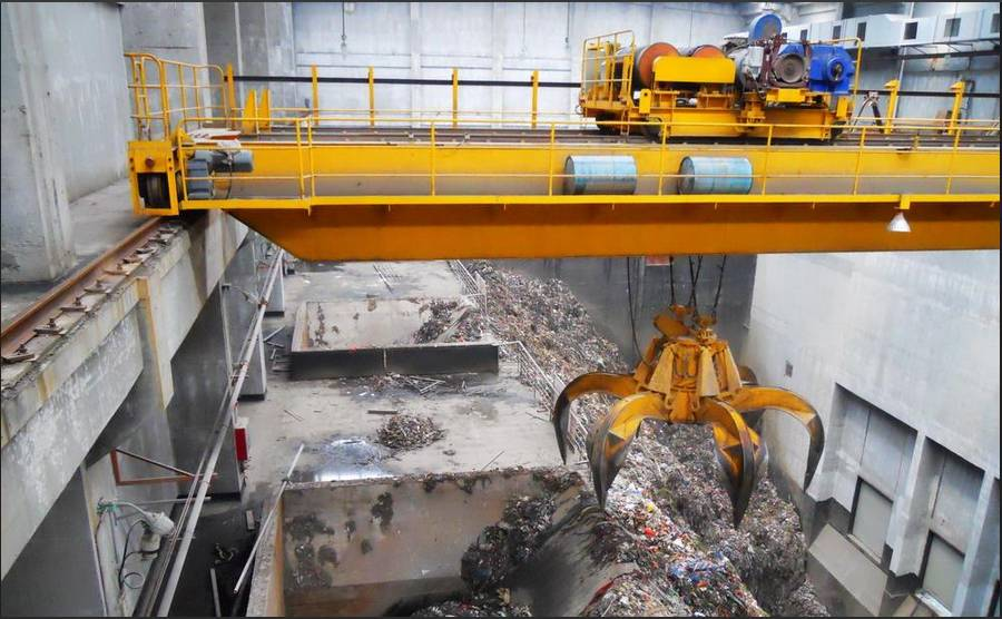 Garbage grab crane is widely used in modern cities all kinds of waste incineration power plants