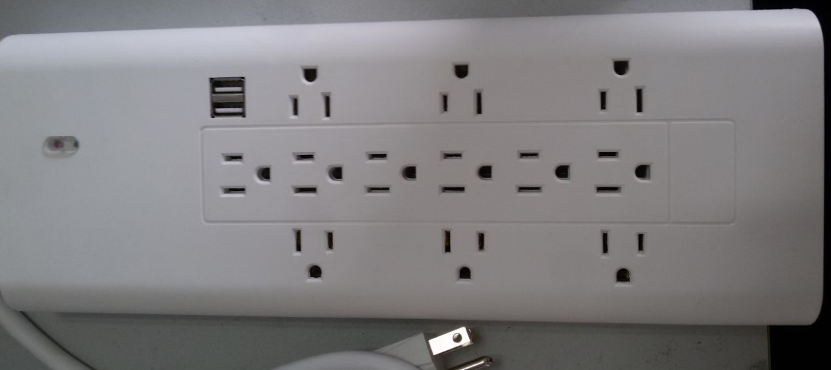 ETL approved 12 outlets power socket with 2USB ports