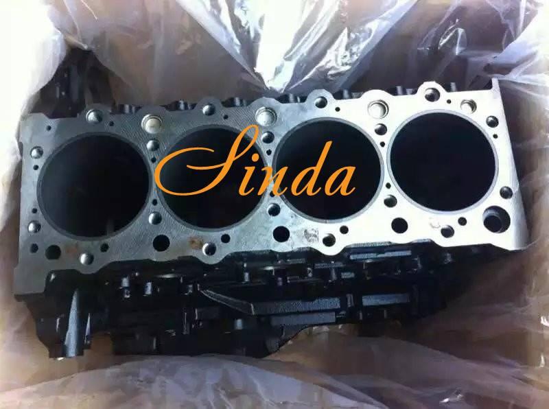 Isuzu 4HK1 cyliner head 8981706170 8981706171