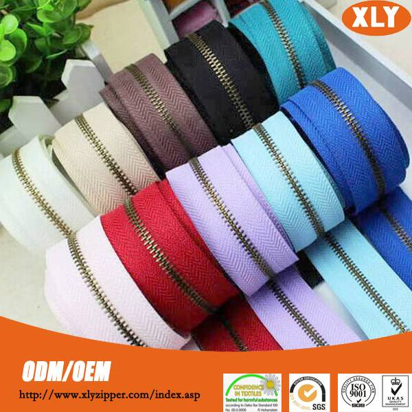 Profession zipper factory supply all kinds of metal zipper roll, metal zipper wholesale