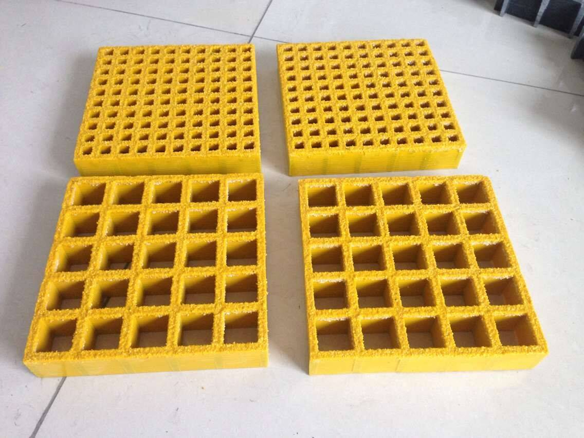 FIBERGLASS REINFORCED PLASTICS MOLDED GRATING 38X38-38MM WITH GRITTED SURFACE
