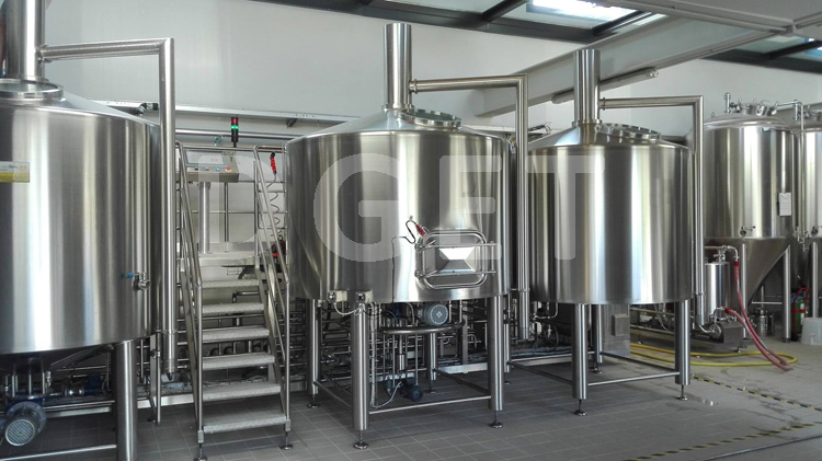 Stainless steel customized 3 barrel brewing system for sale
