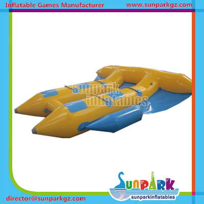 Water Play Equipment 4 Seats Inflatable Fly Fish Boat