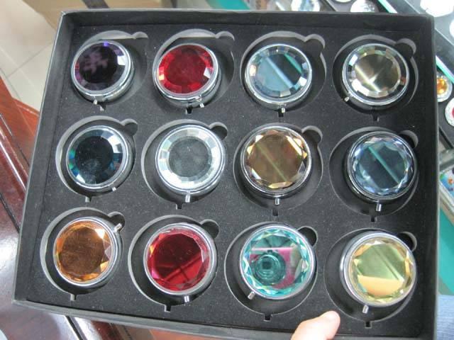 Solid Crystal Pill Box LFP1604