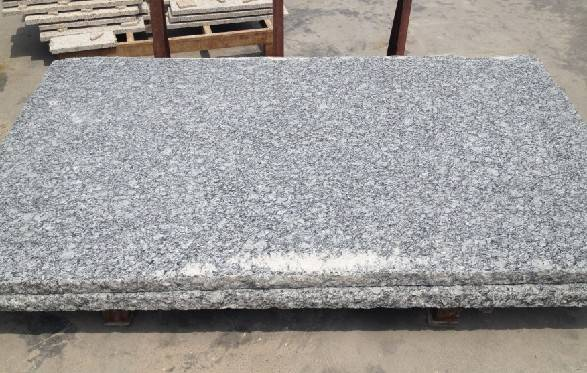 Spray white granite slab countertop tiles