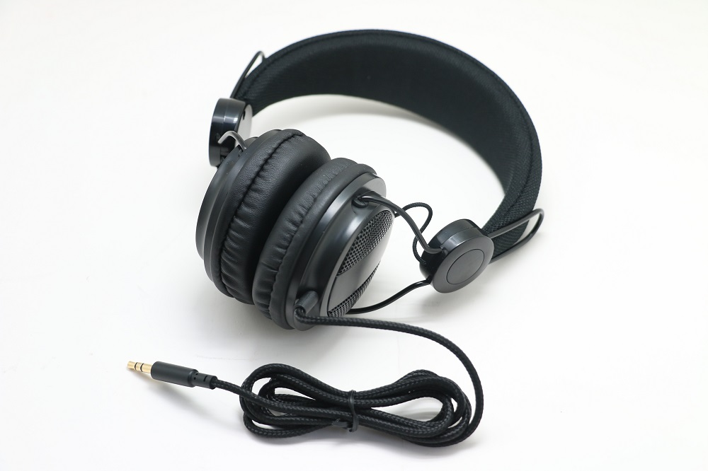 China wholesale high quality cheap headphones/music headphone/wired headset