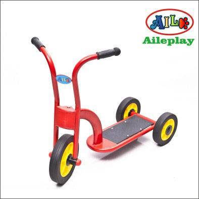 2015 kids scooter tricycle pedal tricycle metal tricycle slider tricycle three-wheels scooter for ch