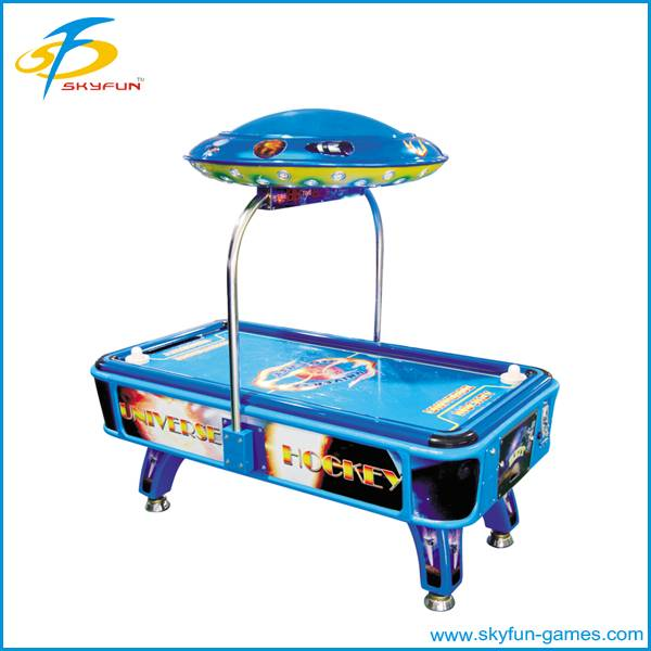 Universe Hockey coin operated machine
