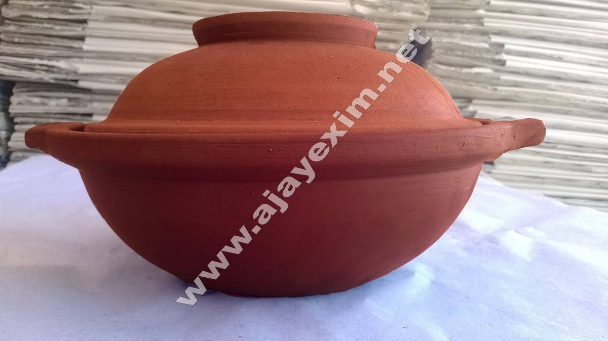 Clay Biryani Pot with Lid
