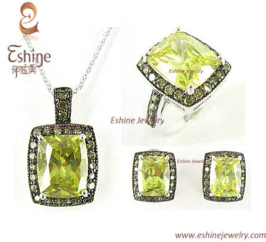 2015 Fashion Brass jewelry set with cushion peridot CZ stones Party Jewelry Set