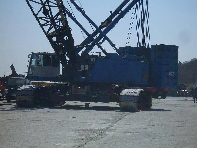 sumitomo SCX2800-2 / 275 ton crawler crane