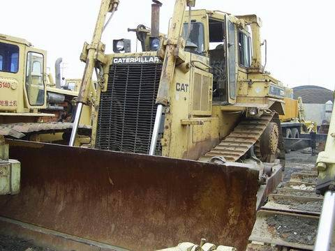CAT D9N bulldozer