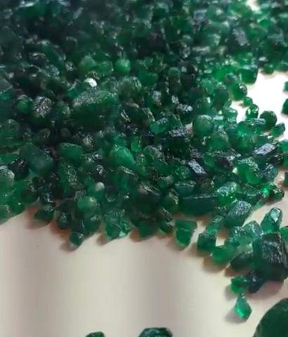 Rough or polished gemstones