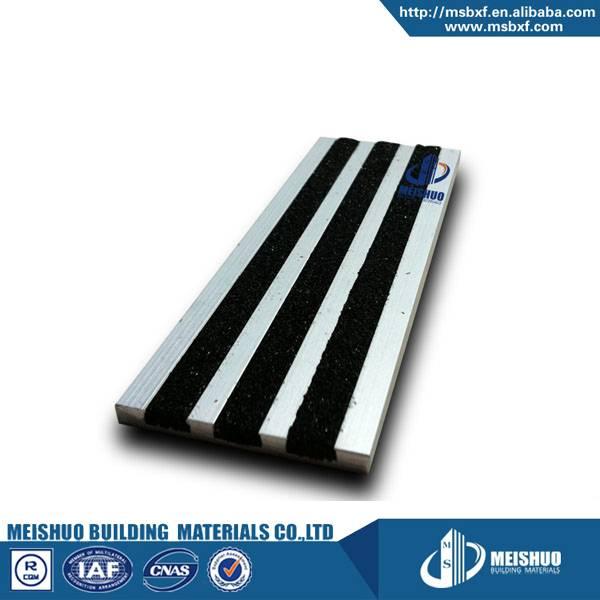 Recessed floor anti slip aluminum stair treads cover