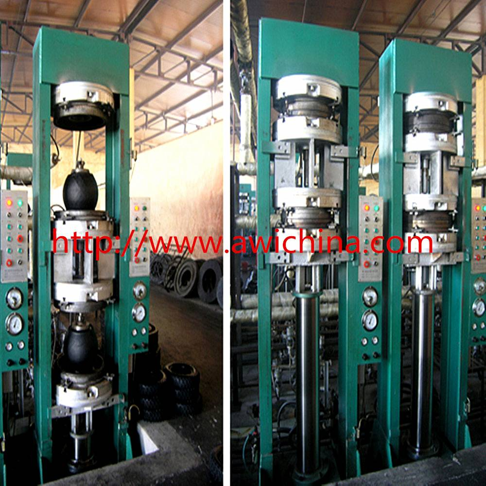 Motorcycle tire bladder vulcanizing machine