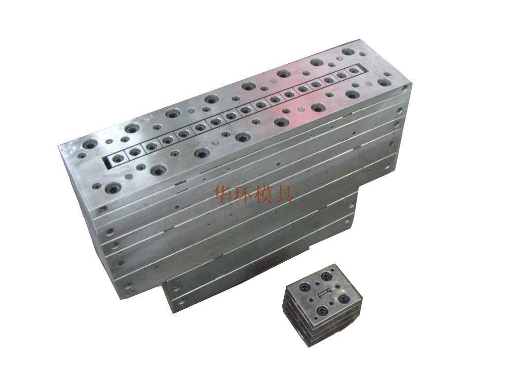 Wood door head wpc mould
