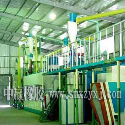 Tire bead cutting in waste tire recycling production line