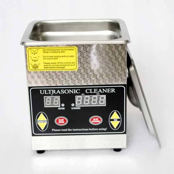 Tiny desktop ultrasonic cleaner