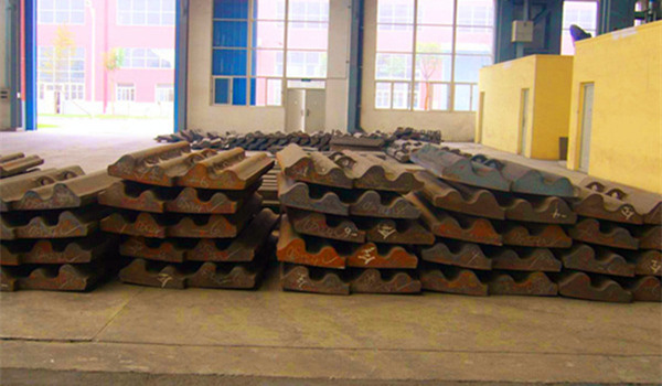 High strength impact resistance bimetallic curved plates ball mill liner
