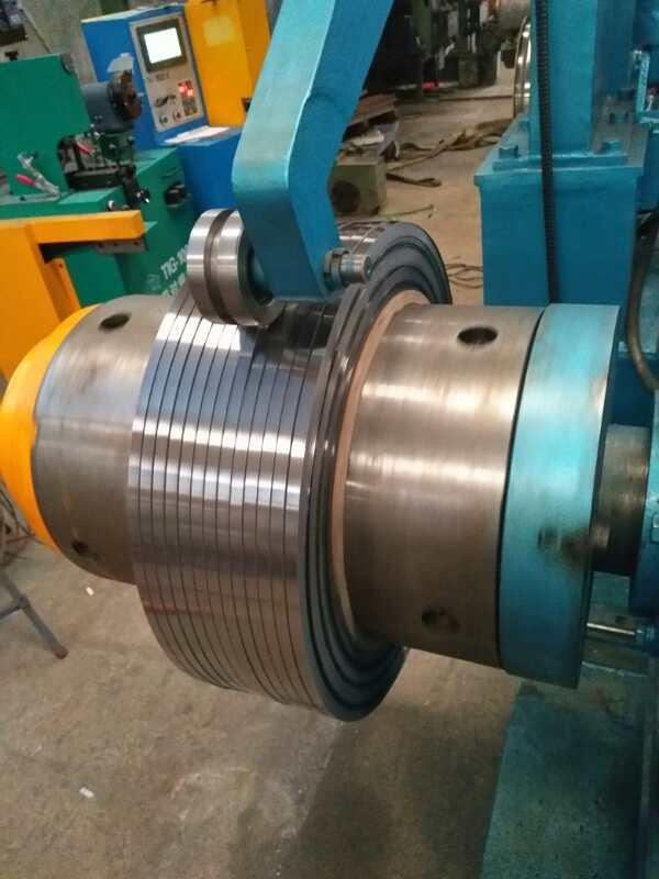 Strip precise winding machine