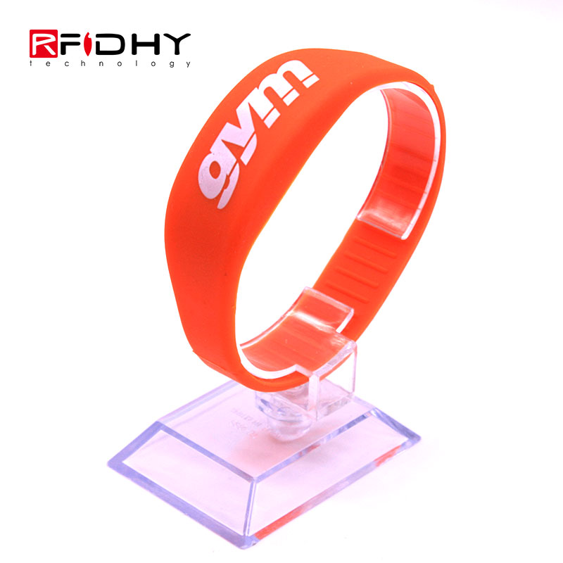 High Quality Readable Hf Silicone RFID Wristband for Gym