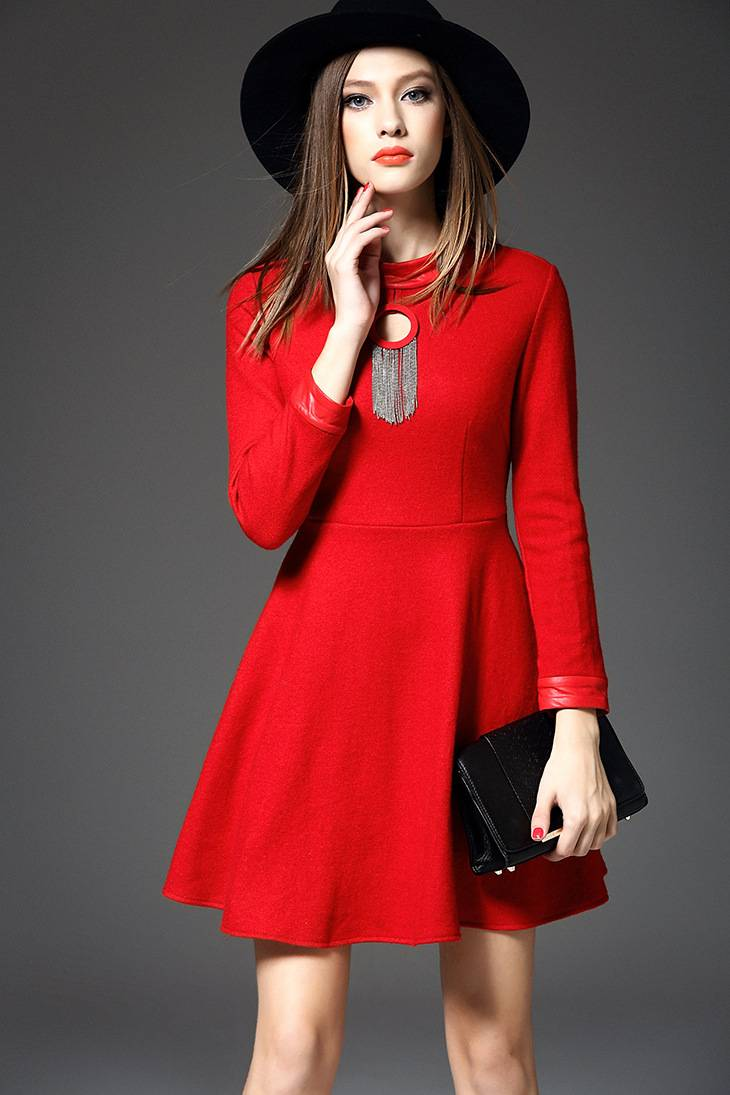Europe winter 2015 new women's fashion hollow out pleated long sleeve dress