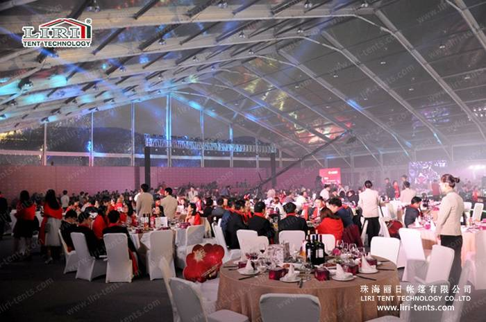 Transparent outdoor tent for wedding event
