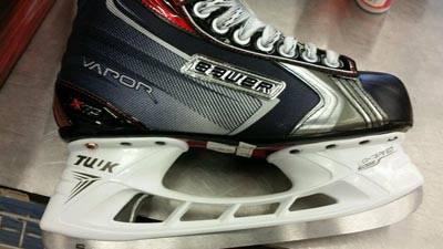Bauet Vapor X70 size 7 D ice hockey skate