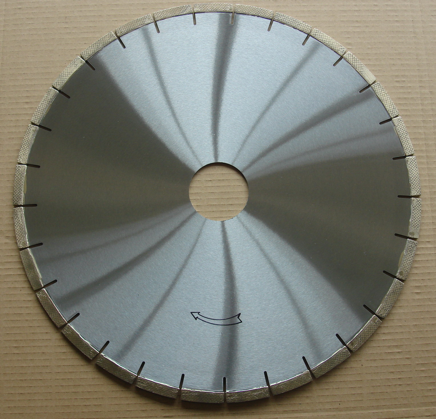 Arrayed Diamond saw Blades