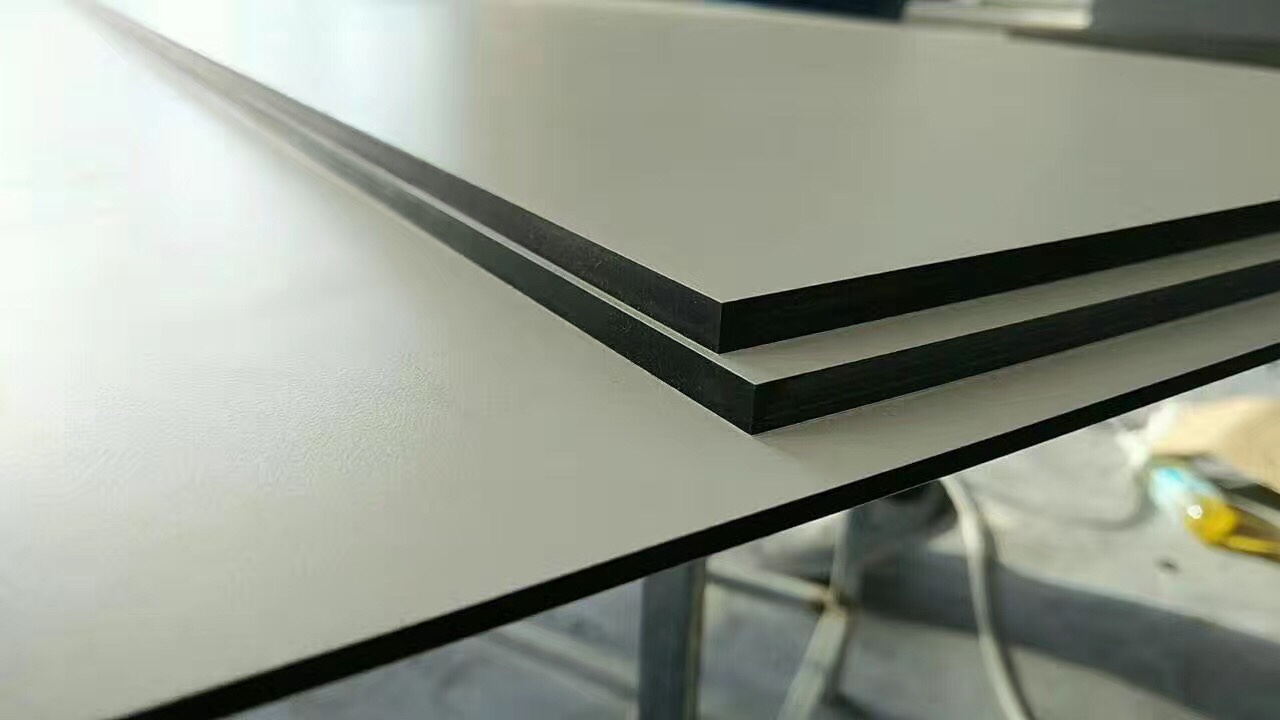 compact laminate for table