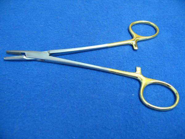 TC MAYO-HEGAR NEEDLE HOLDER 6IN