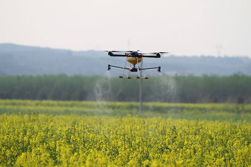 New 6-Axis Hexacopter Agricultural UAV Drone 5KG crop spraying,spraying pesticides for spraying