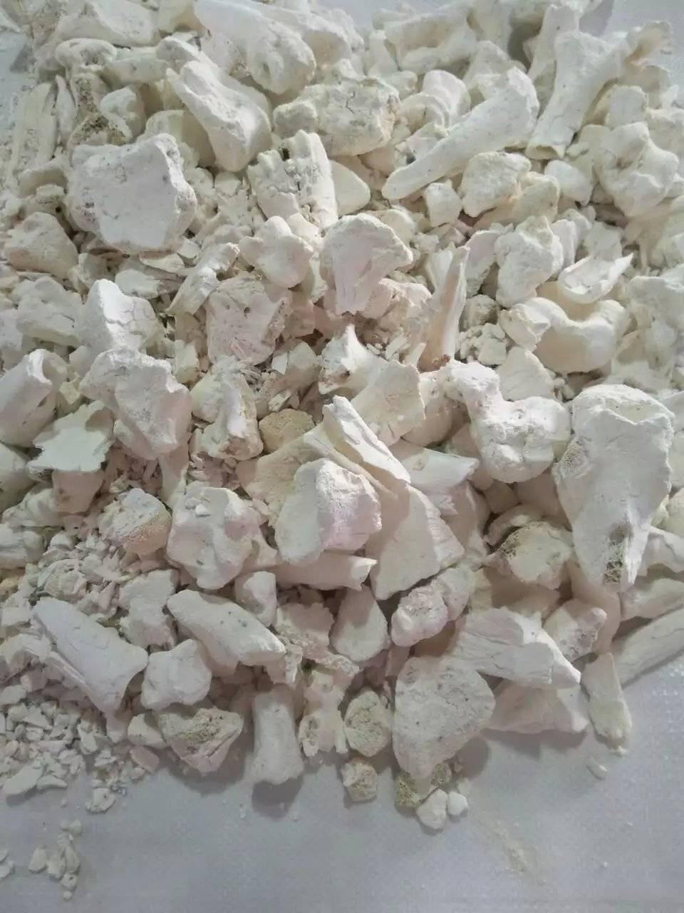 Cow bone ash powder for ceramics