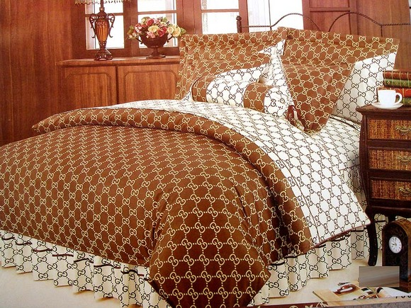 luxury bedding sets, bedding pillow, bedding quilts, embroidered bed sheet
