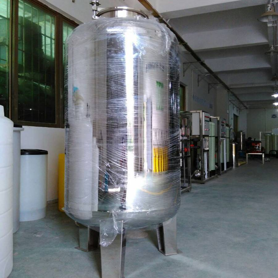 Industrial automatic potable water tank