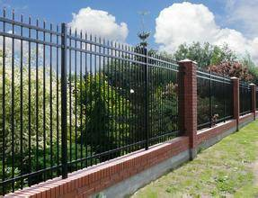 Cheap price galvanized iron fence panels for garden