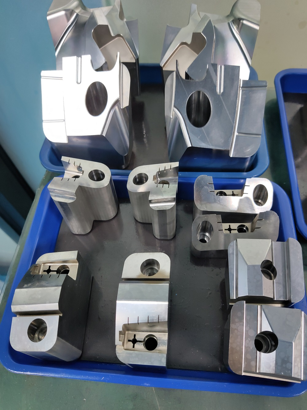 2020 Chinese great quality high precision plastic injection mold components in China