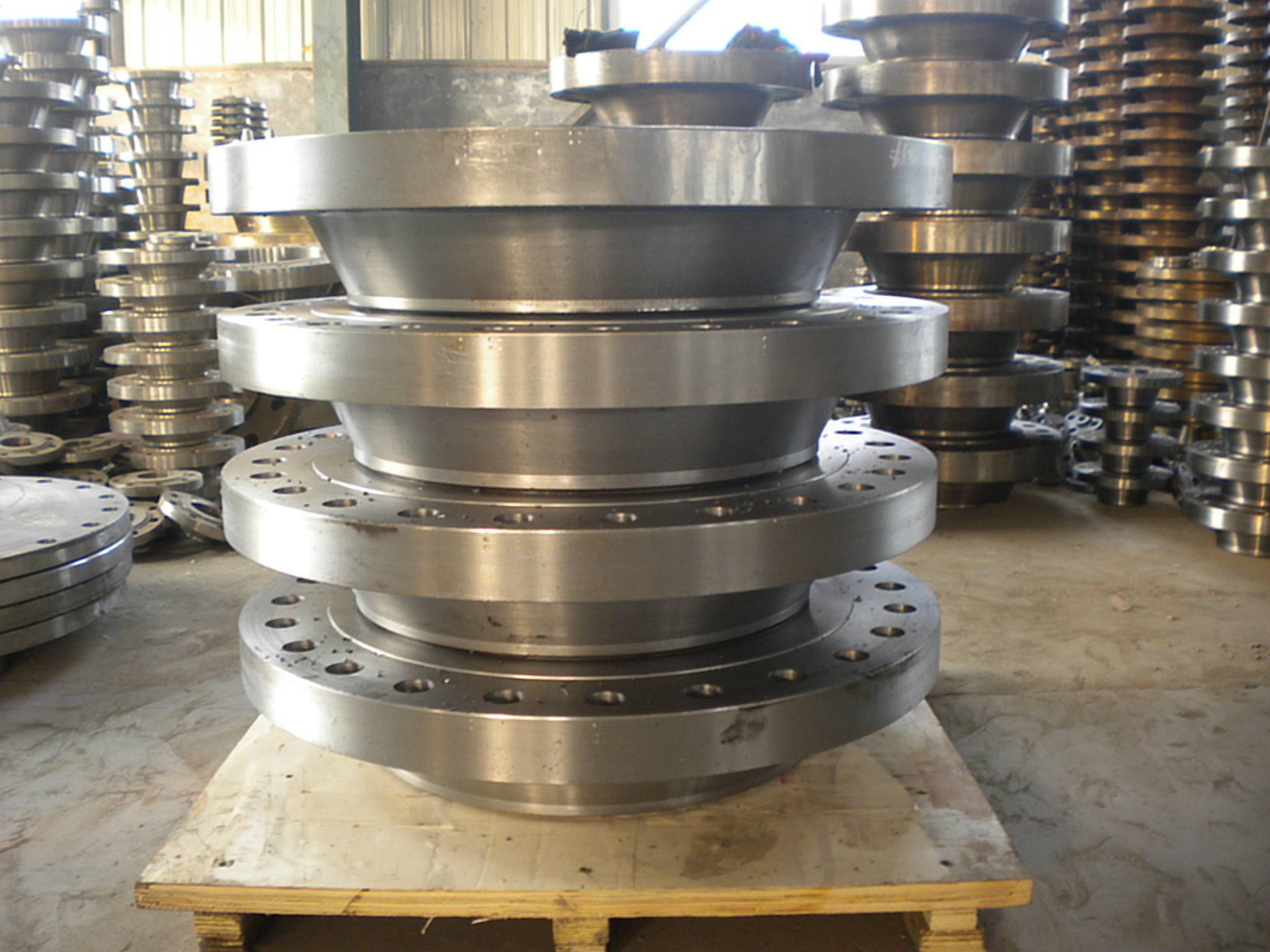 HOT ASTM A105 flange with high precision