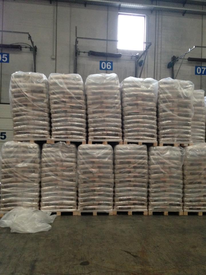 15 kg wood Pellet Din plus/EN plus-A1 Wood Pellet Packed SUPPLY FROM EUROPE