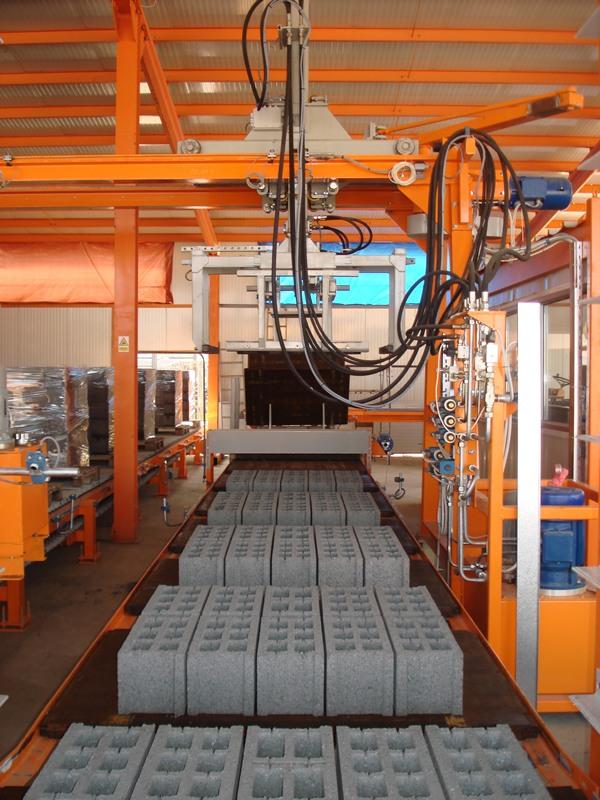 U-1000 Concrete Block Making Machine High Capacity