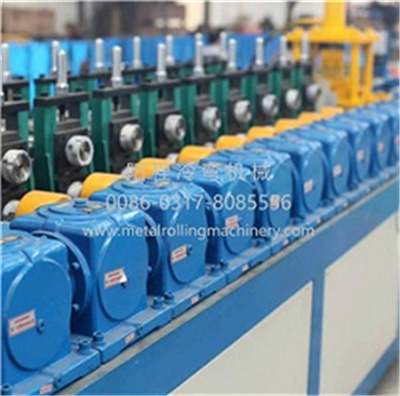 Automatically Interchangeable Steel Forming Machine